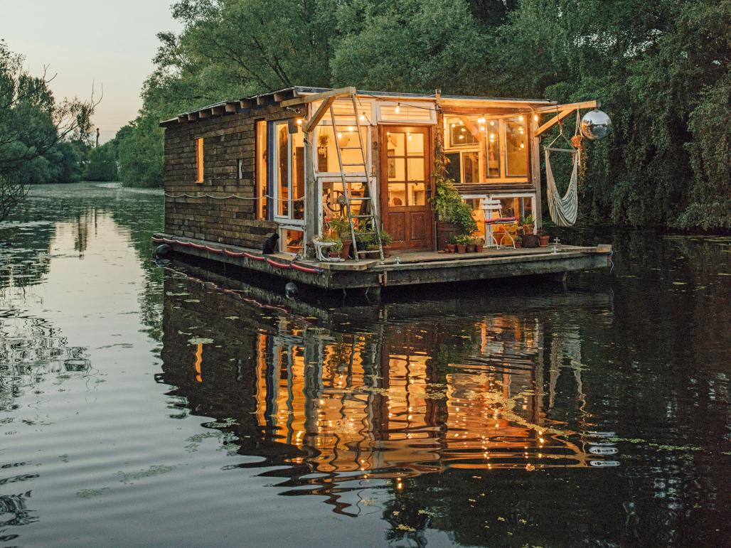 Homes that are making waves | 1843